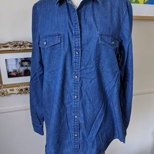 Banana Republic denim shirt. XL. EUC.